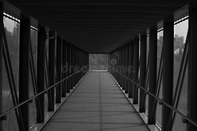 Un couloir avec une vue photos libres de droits