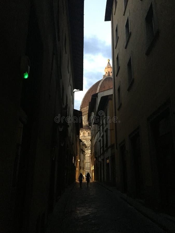 Un coup d'?il sur le Duomo image libre de droits