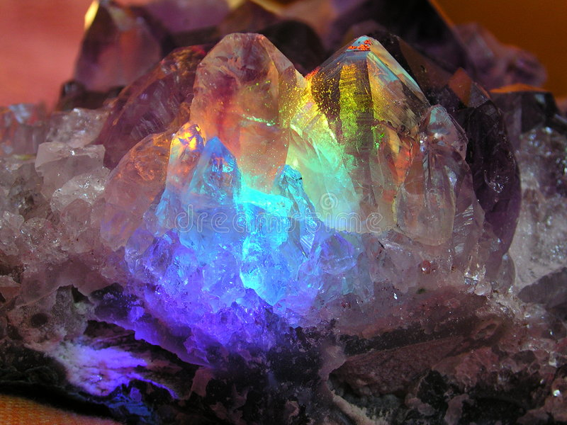 Download Un cristallo magico fotografia stock. Immagine di gemma, geode - 9448