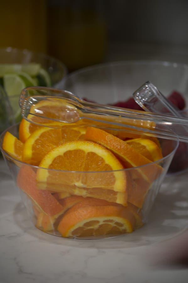 Un cuenco de naranjas imágenes de archivo libres de regalías