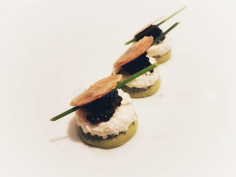 Un démarreur avec le caviar photographie stock
