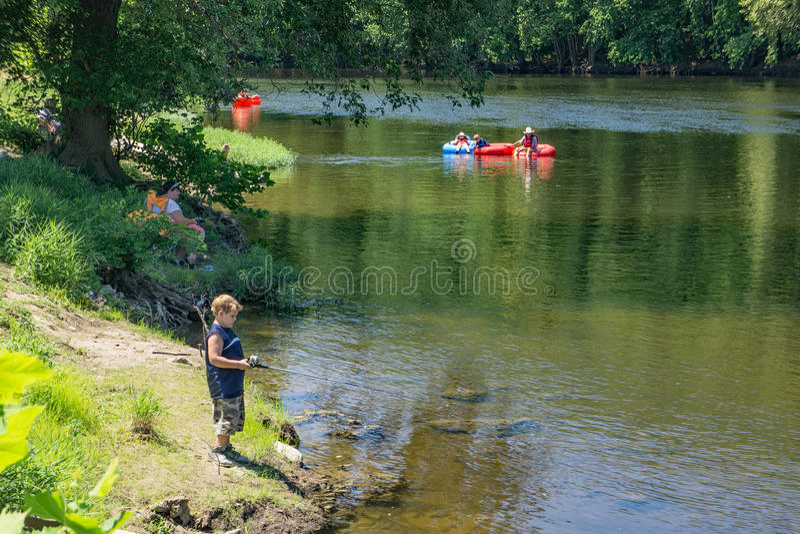 Un día en James River, Virginia, los E.E.U.U. foto de archivo