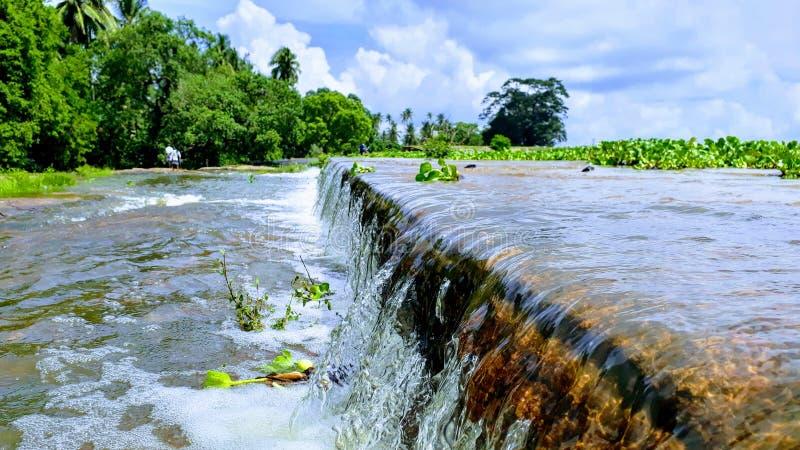 Un desbordamiento del agua foto de archivo libre de regalías