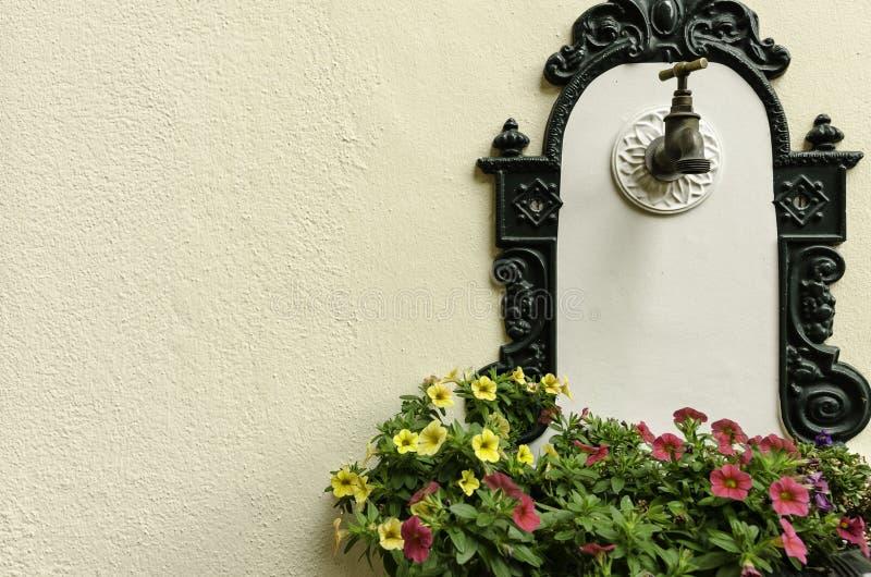 Un detalle decorativo - foutain de consumición fotografía de archivo