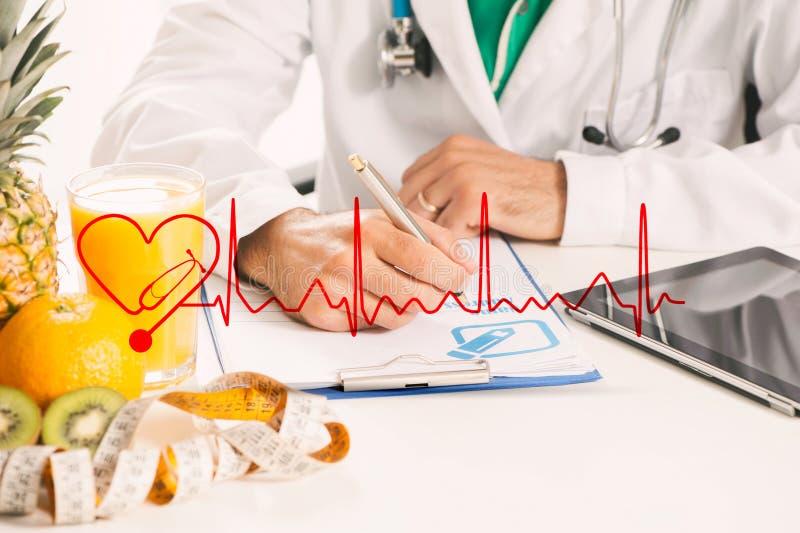 Un docteur de diététicien photo stock