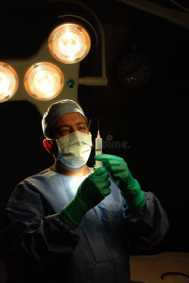 Un doctor teatro en funcionamiento imágenes de archivo libres de regalías