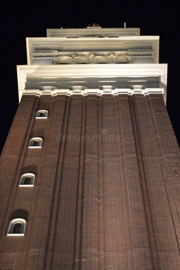 Un edificio alto en la tira de Las Vegas fotos de archivo libres de regalías