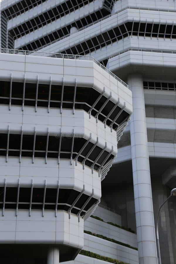 Un edificio blanco y negro en arquitectura del hotel de Singapur foto de archivo