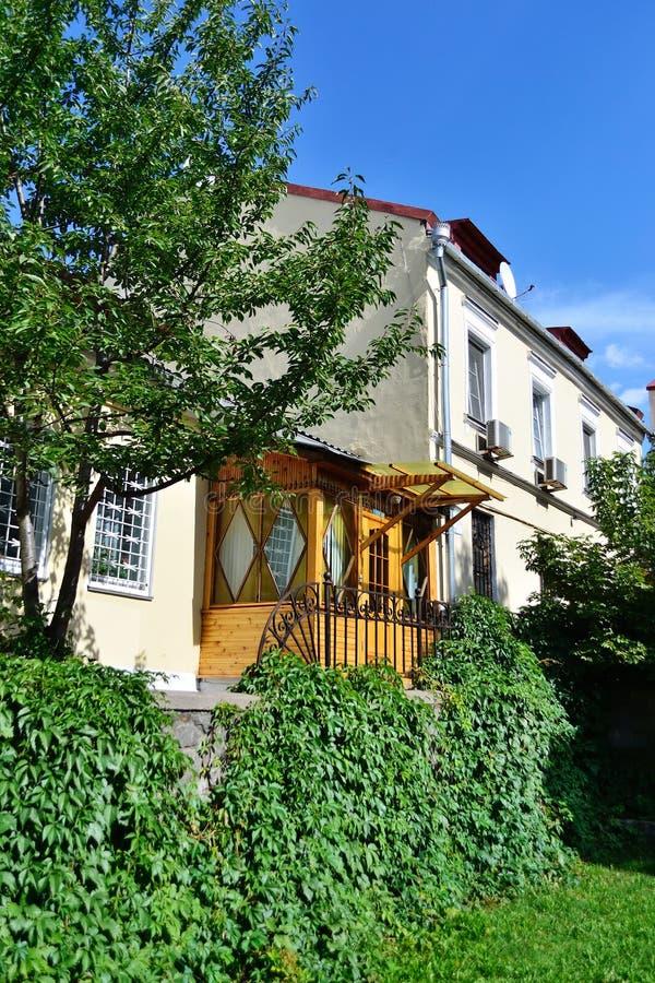 Un edificio en la vieja parte de Minsk imagen de archivo