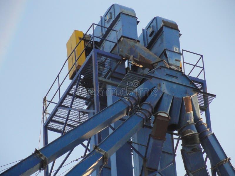 Un elevador de grano abandonado fotos de archivo libres de regalías