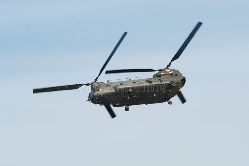 Un elicottero solo del rotore del gemello di RAF Boeing Chinook immagini stock libere da diritti