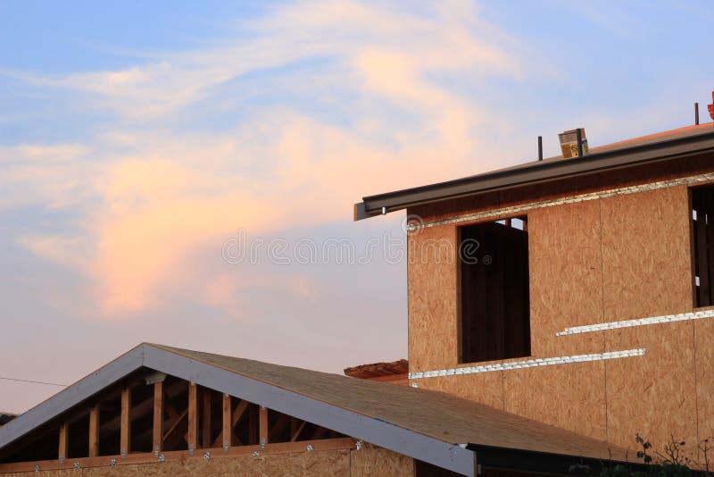 Un en construction à la maison neuf image stock