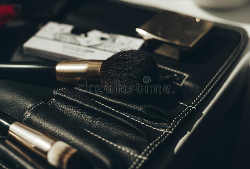 Un ensemble de brosses pour le maquillage closeup photos stock