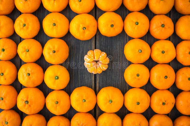 Un ensemble de clémentines ou de mandarines algériennes photos stock