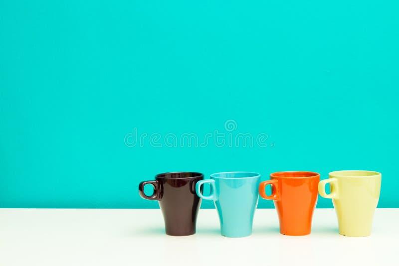 Un ensemble de cuvettes de café photographie stock libre de droits