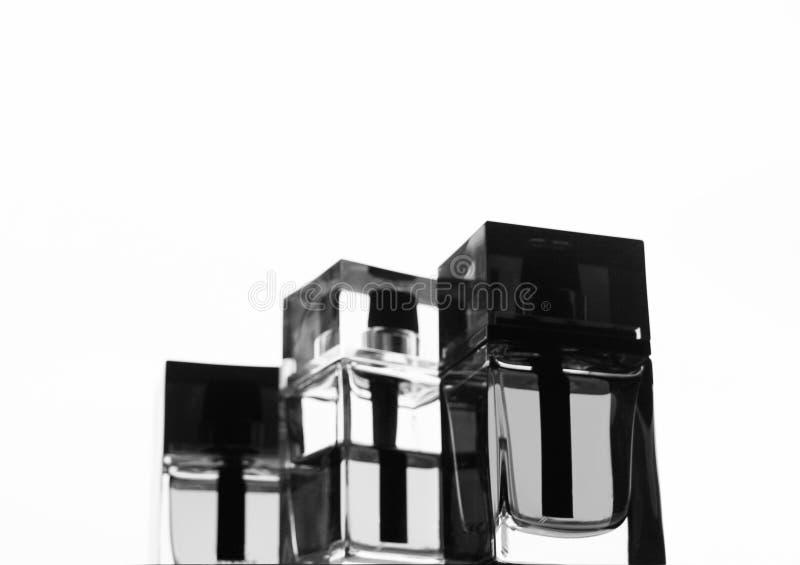 Un ensemble de plusieurs bouteilles de parfum du ` s de l'homme Mode et style photographie stock libre de droits
