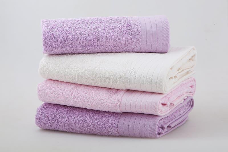Un ensemble de quatre serviettes photographie stock