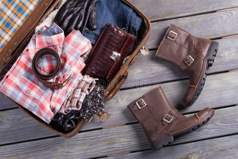 Un ensemble de vêtements pour le voyage photo stock