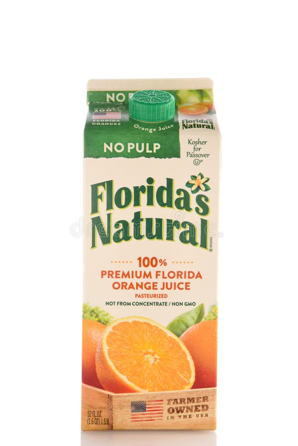 Un envase de 52 onzas de zumo de naranja superior natural de Floridas la Florida sin la pulpa foto de archivo libre de regalías