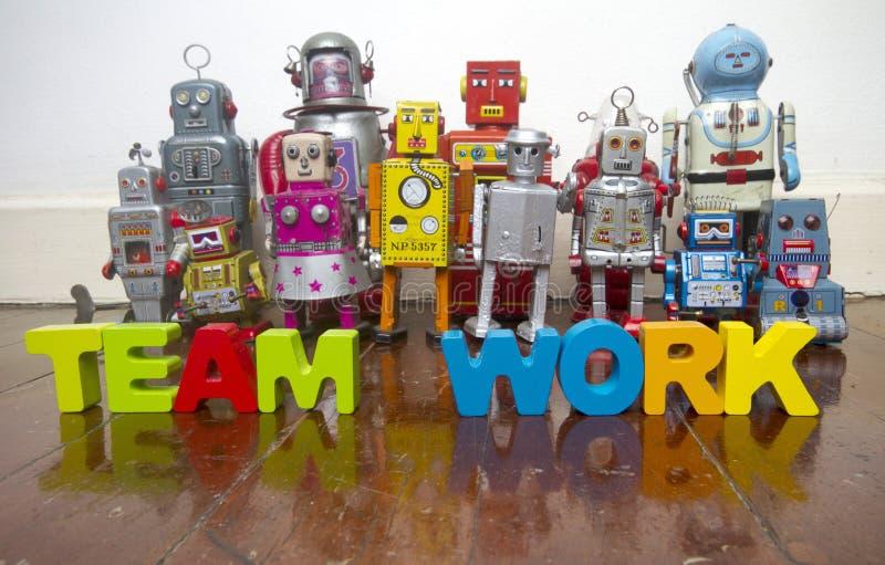 Un equipo de robots del vintage imagen de archivo libre de regalías