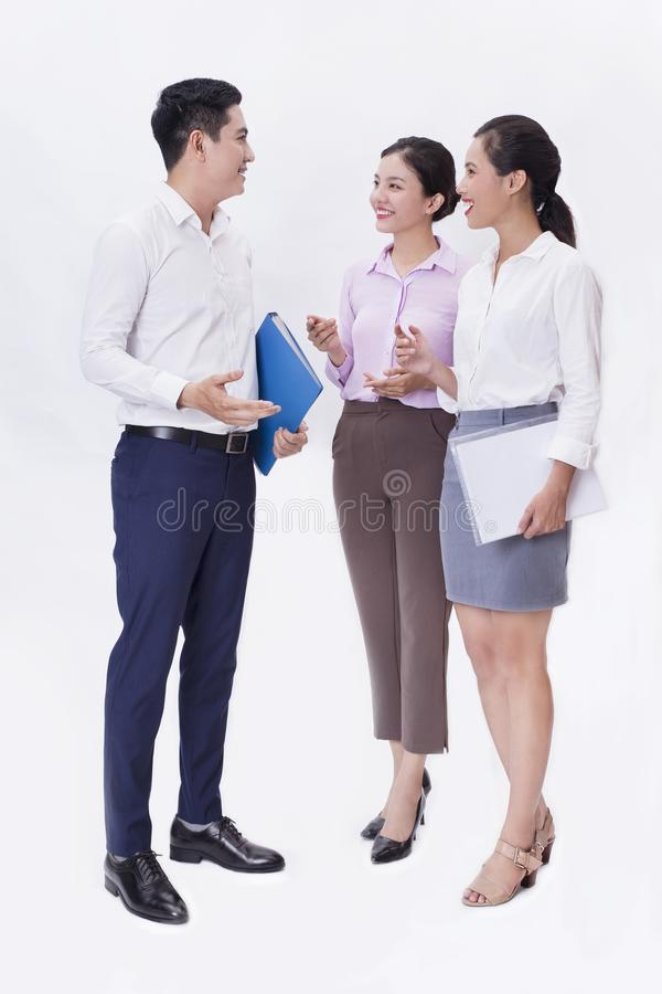 Un equipo del negocio que habla junto imagen de archivo libre de regalías