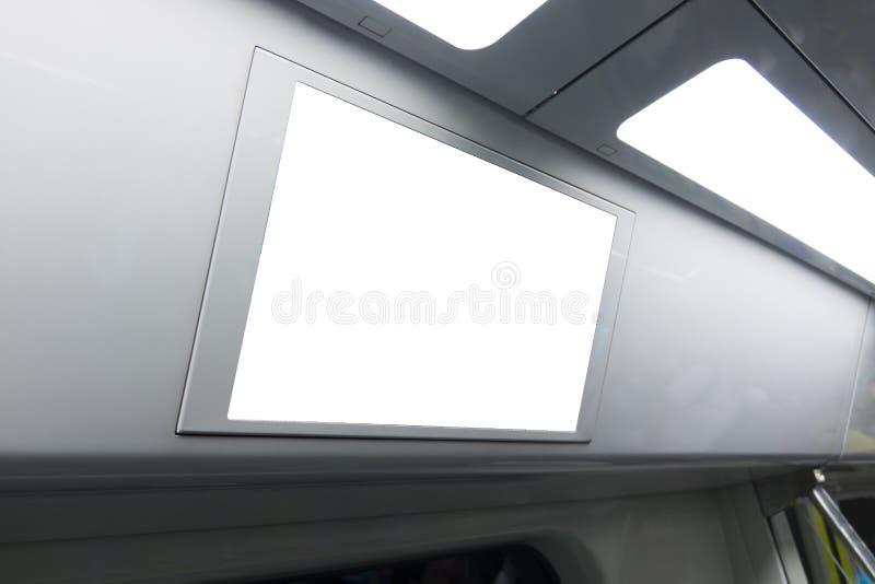 Un espacio en blanco encendió el letrero dentro de un tren de alta velocidad, con el espacio para el texto fotografía de archivo