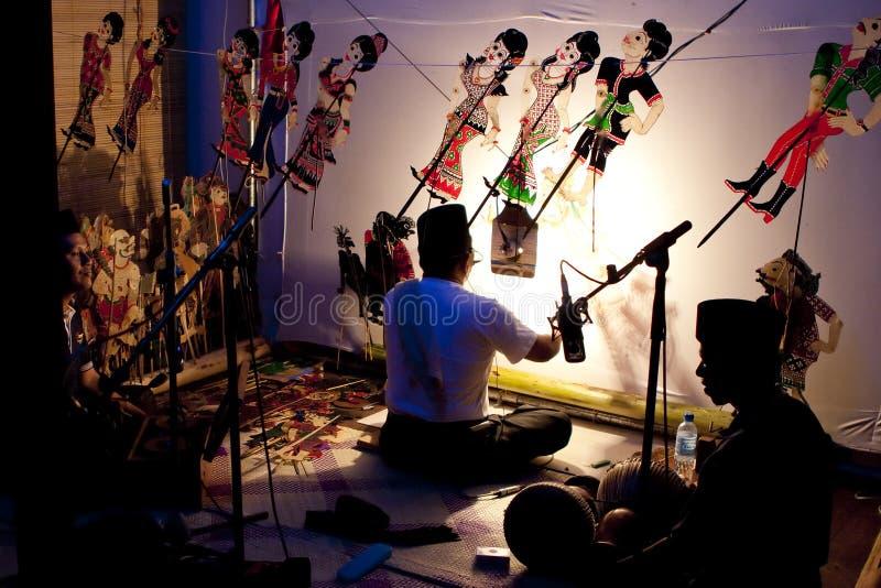 Un'esposizione di burattino malese tradizionale dell'ombra fotografia stock