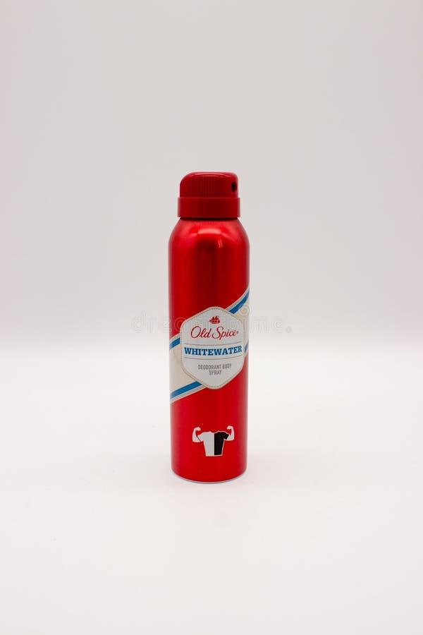 Un espray del cuerpo del desodorante del envase de la especia vieja Whitewater aislado en el fondo blanco viejo fotos de archivo libres de regalías
