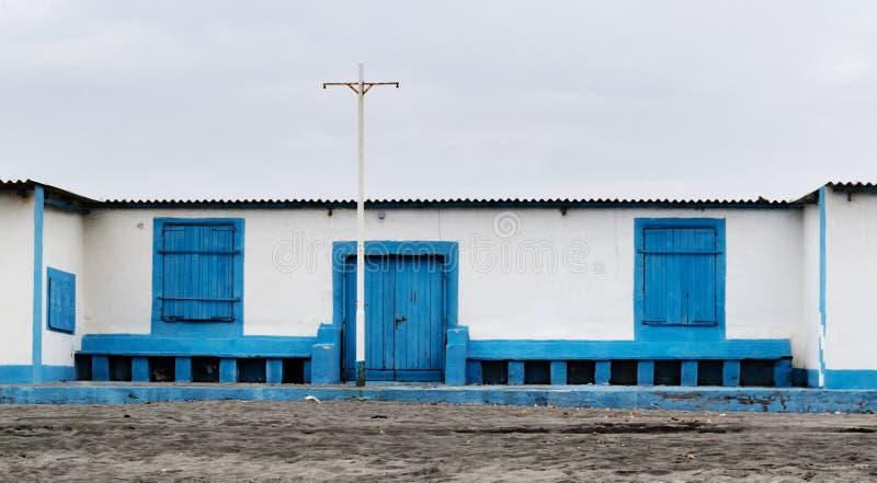 Un establecimiento de baño en la costa de Lazio fotos de archivo