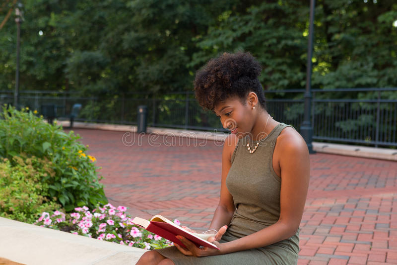 Un estudiante universitario fotos de archivo
