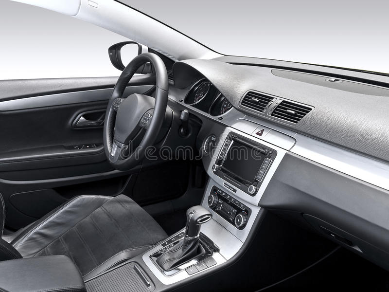 Un estudio tiró de un interior moderno del coche fotos de archivo