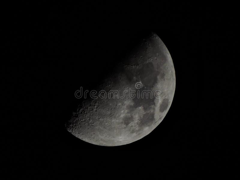 Un et seulement demi-lune images stock