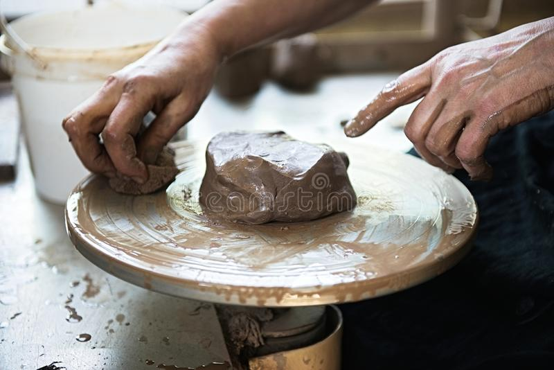 Un fabricante y un ceramicist del cord?n crear las ilustraciones foto de archivo