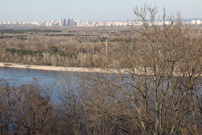 Un fiume blu fotografie stock libere da diritti