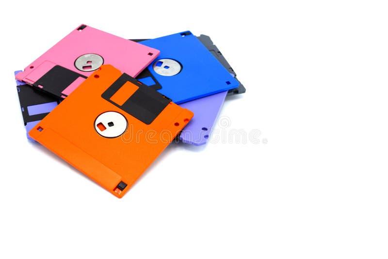 Un floppy disk, inoltre ha chiamato un floscio, fondo bianco isolato dischetto fotografia stock libera da diritti