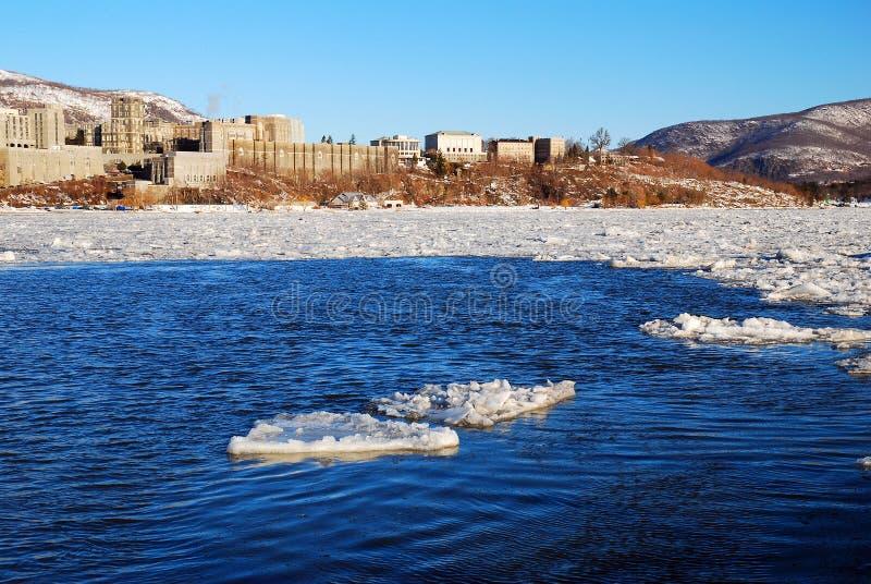 Un flusso del ghiaccio sul Hudson fotografia stock
