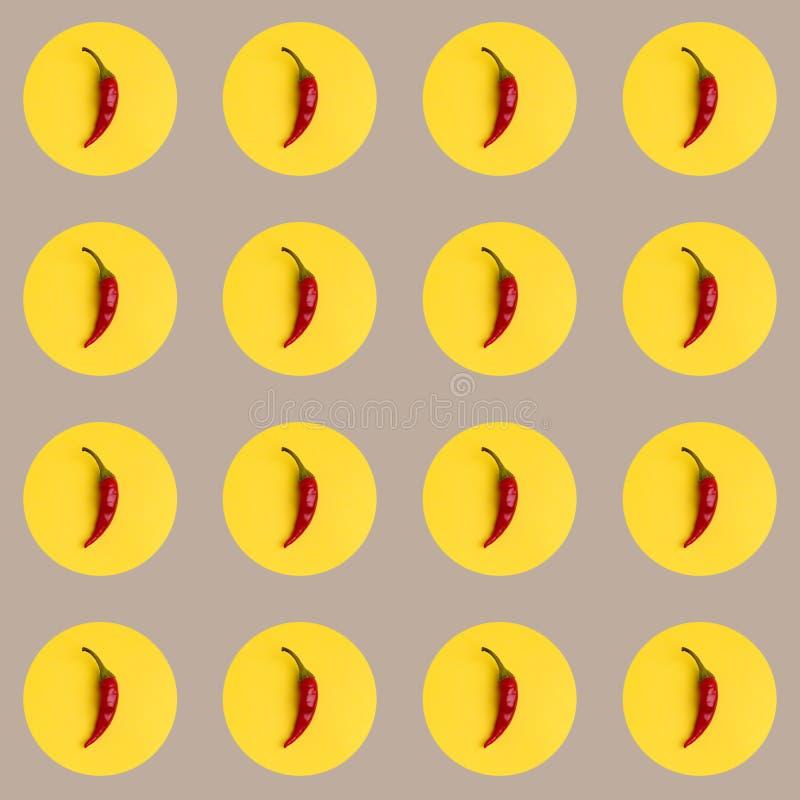 Un fond de répétition des poivrons rouges abstraits images stock
