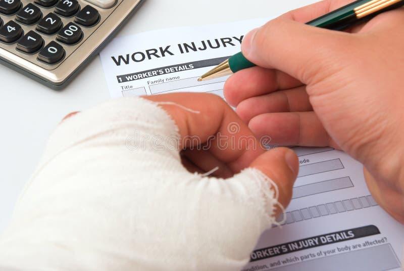 Un formulaire de réclamation de blessure de travail photos libres de droits