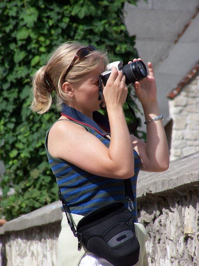 Un fotógrafo de sexo femenino foto de archivo libre de regalías