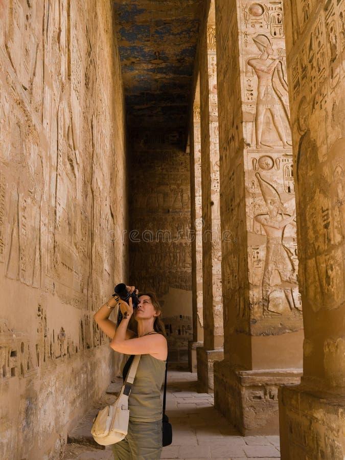 Un fotografo nell'Egitto fotografie stock
