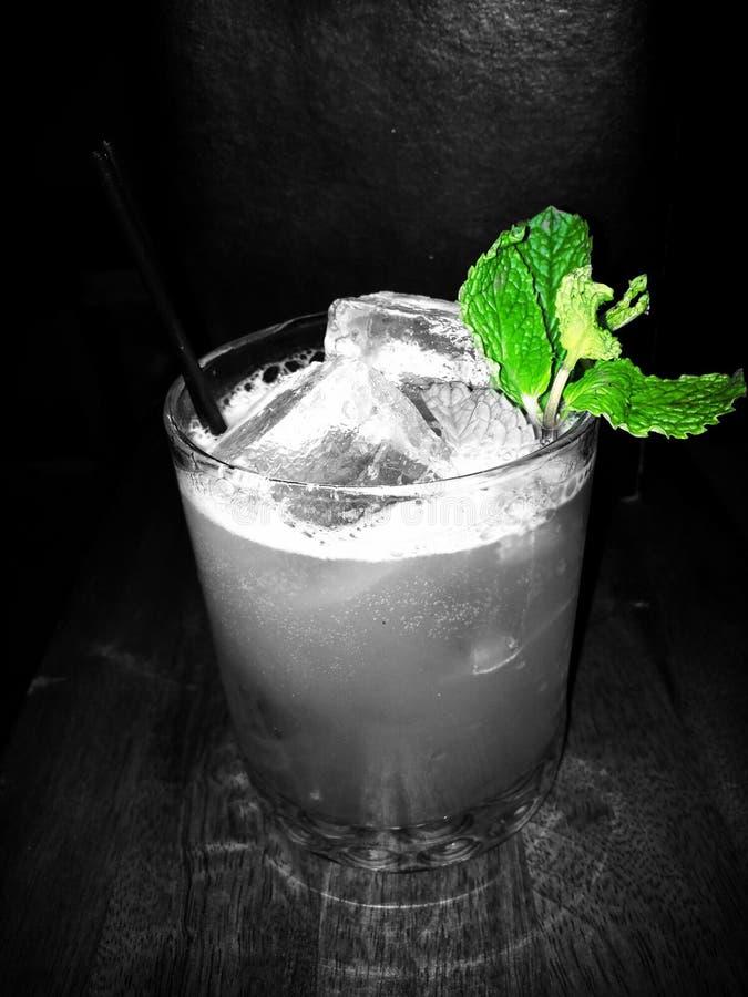 Un fracas de whiskey sur le whiskey mercredi images libres de droits