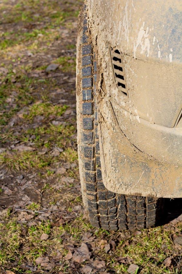 Un fragment d'un véhicule utilitaire sportif photographie stock libre de droits