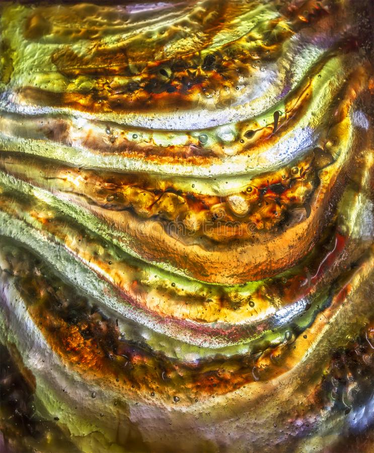 Un fragmento de un vitral multicolor imagen de archivo libre de regalías