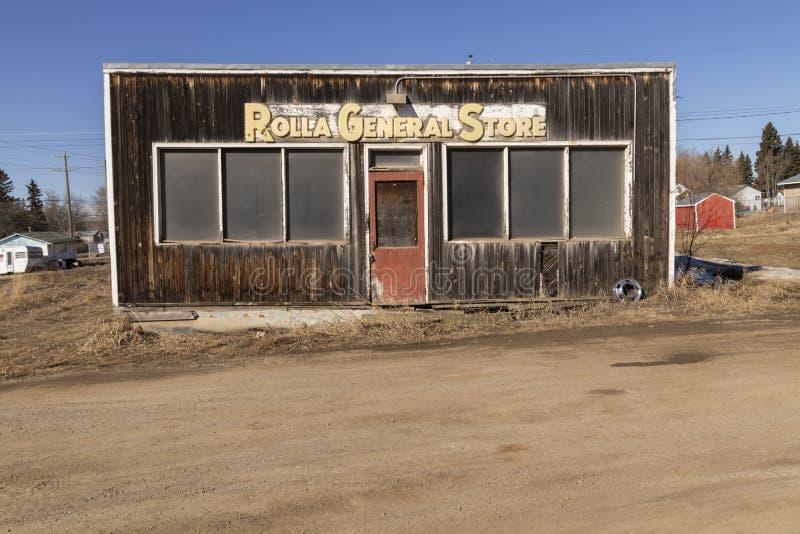 Un frente abandonado de madera de la tienda fotos de archivo