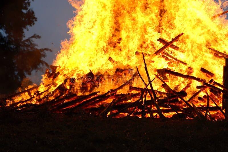 Un fuego caliente fotografía de archivo libre de regalías