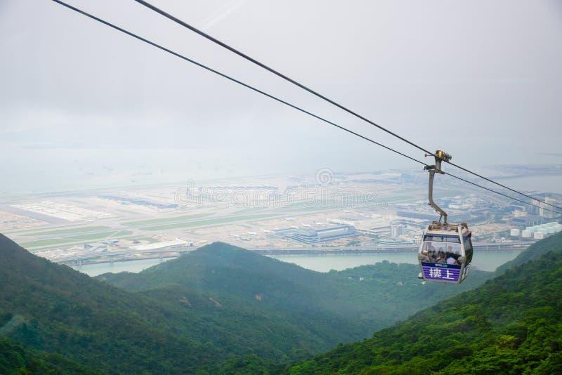 Un funiculaire du cinglement 360 de Ngong en île de Lantau, Hong Kong image stock
