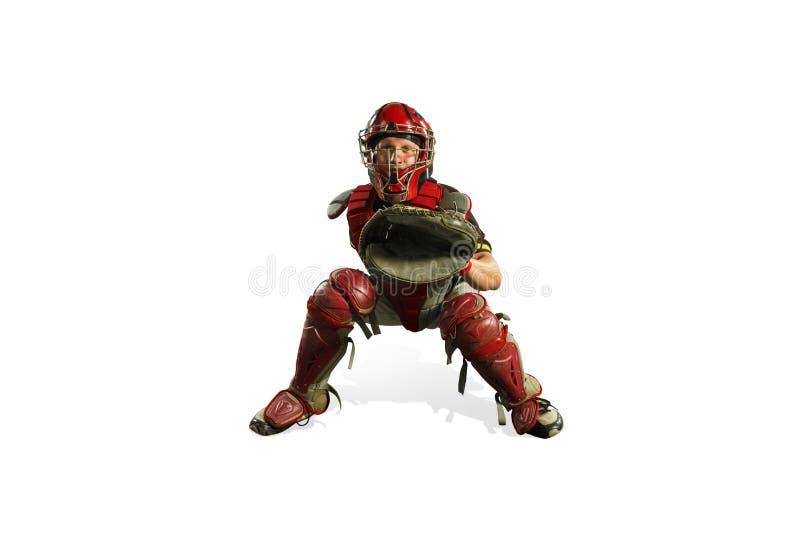 Un giocatore di baseball caucasico dell'uomo che gioca nella siluetta dello studio isolata su fondo bianco immagine stock