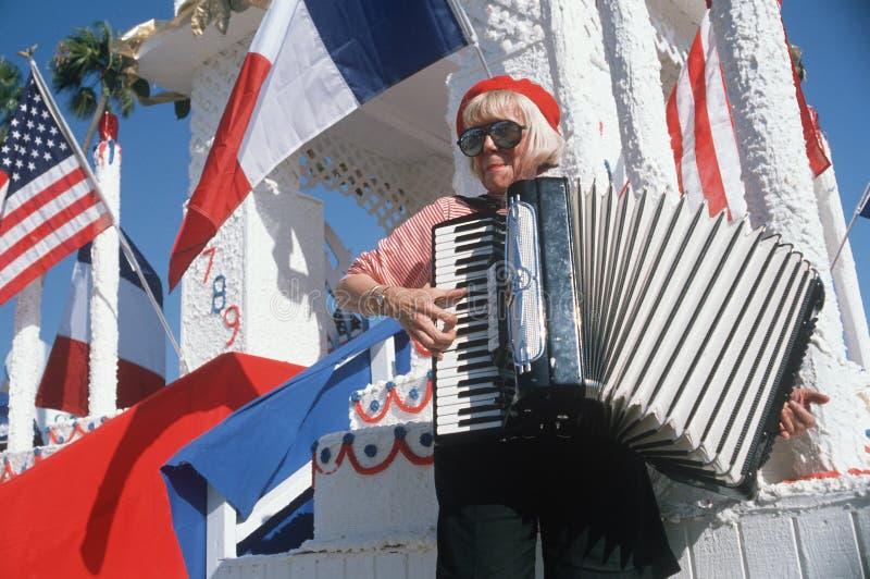 Un giocatore femminile della fisarmonica fotografia stock libera da diritti