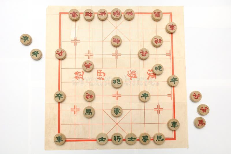 Un gioco di scacchi cinesi in corso immagini stock