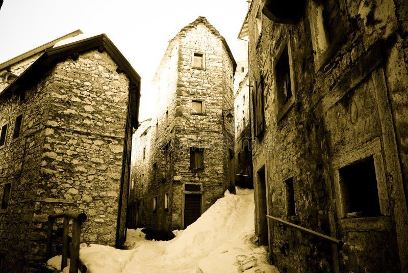 Un giorno di inverno a Casso, Pordenone fotografie stock libere da diritti